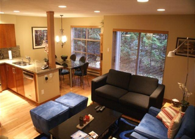 Living/Dining/Kitchen overview - Forest Trails 37 - Deluxe 2 bedroom + den with 3 full bathrooms - Whistler - rentals