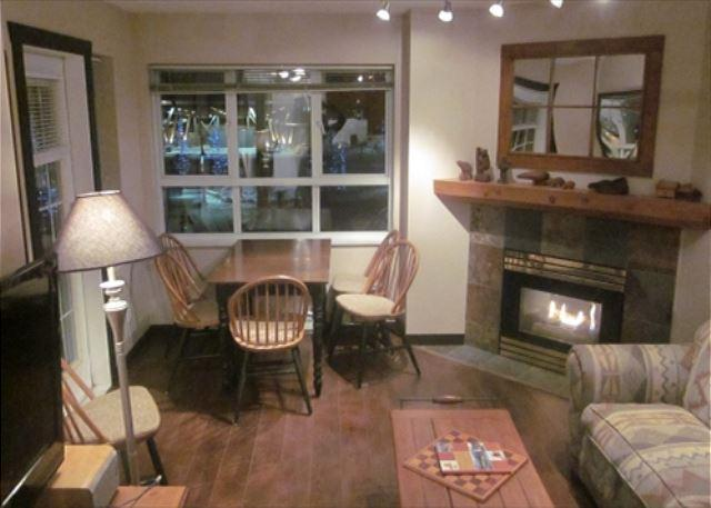 Dining and fireplace - Marketplace Lodge 333 - Central village location, walking distance to Gondola - Whistler - rentals