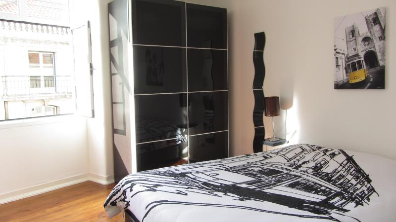 Baixa Sunny apartment with a View! - Image 1 - Lisbon - rentals