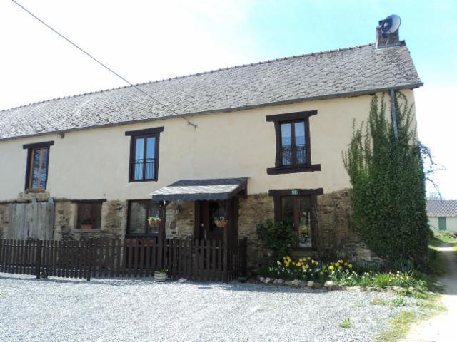La Ferme du Moulin - Breton Farmhouse with pool. Sleeps 9 in 5 bedrooms - Mohon - rentals