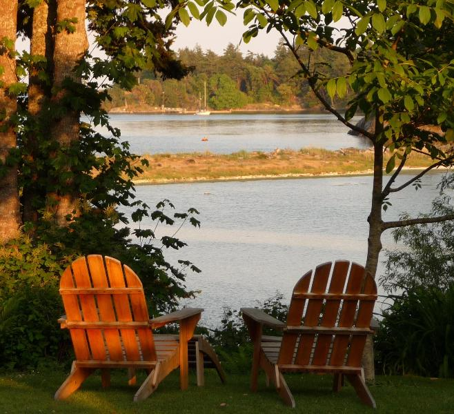 Beachwood Cottage, Lovely Private Waterfront - Image 1 - Victoria - rentals