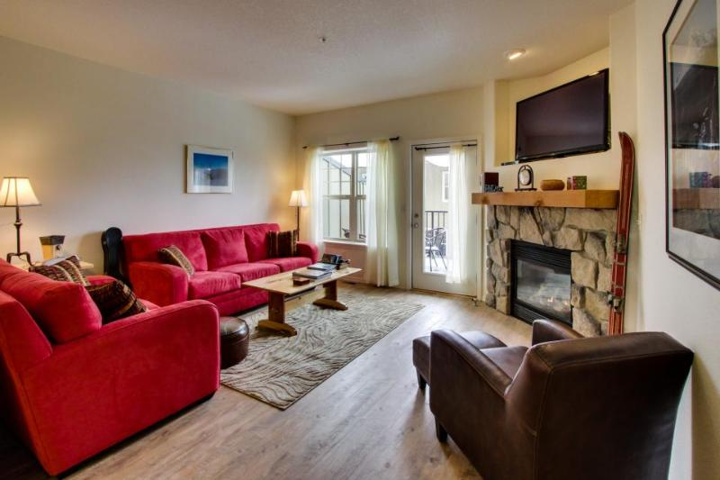 Mountain chalet near skiing; shared hot tub & pool access! - Image 1 - Government Camp - rentals