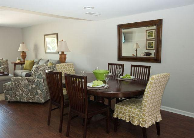 Dinning Room - Ocean Club Villa 8 - 3 Bedroom 3 Bathroom Oceanside Townhome Hilton Head, SC - Hilton Head - rentals