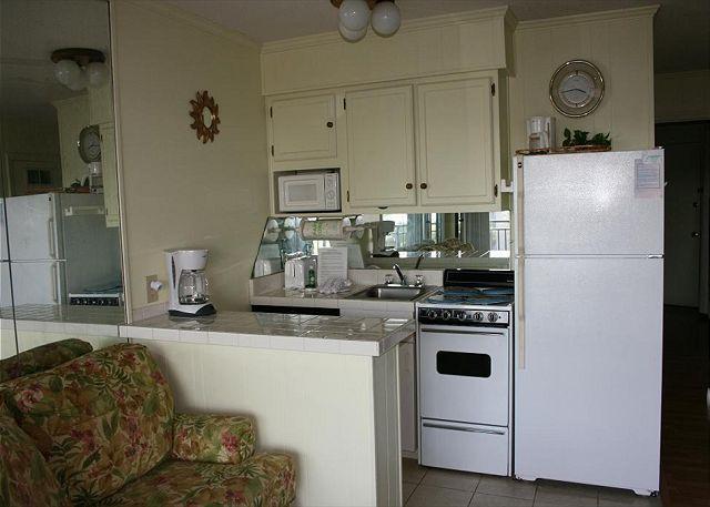 Kitchen - 1 Bedroom Oceanside Seaside Villa 328 , Hilton Head, SC - Hilton Head - rentals