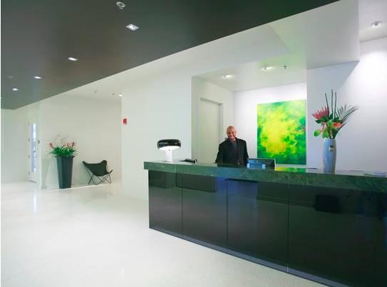 1 bedroom apartment - walk to subway! - Image 1 - Marshfield - rentals