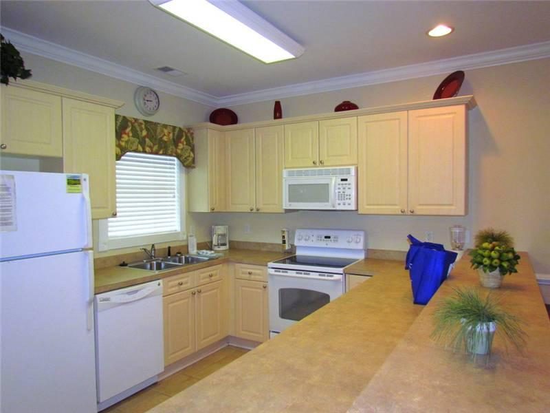 Pet-Friendly 2 Bedroom Condo with Balcony at Magnolia Pointe - Image 1 - Myrtle Beach - rentals