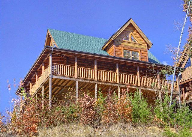 Smoky Mountain Cabin - Bear Hug - Pigeon Forge resort cabin BEAR HUG 275 - Sevierville - rentals