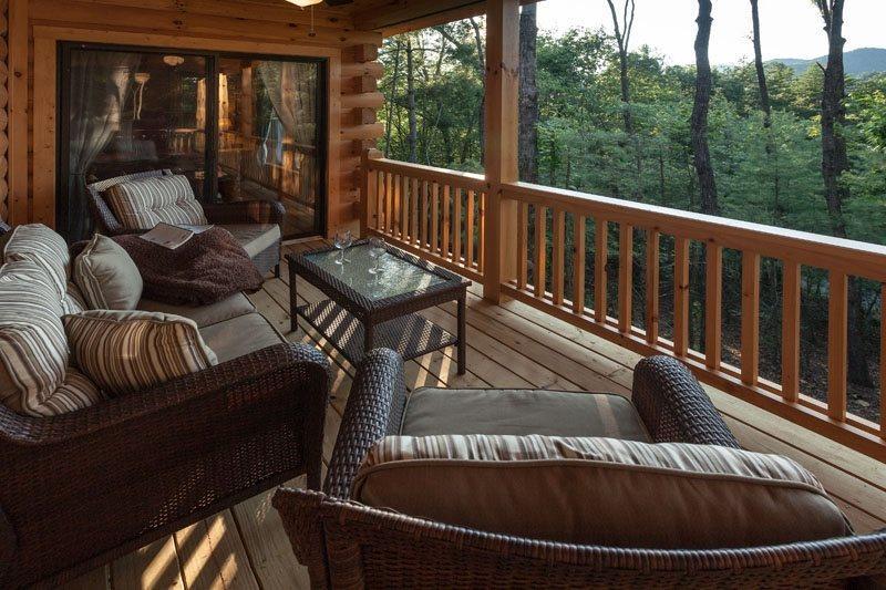 Private deck seating area - The Weeks End - Ellijay GA - Ellijay - rentals