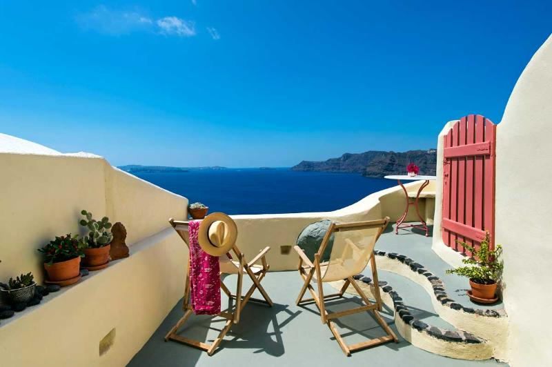Oia's Nest sits on the cascading cliffs of Oia. - Image 1 - Santorini - rentals