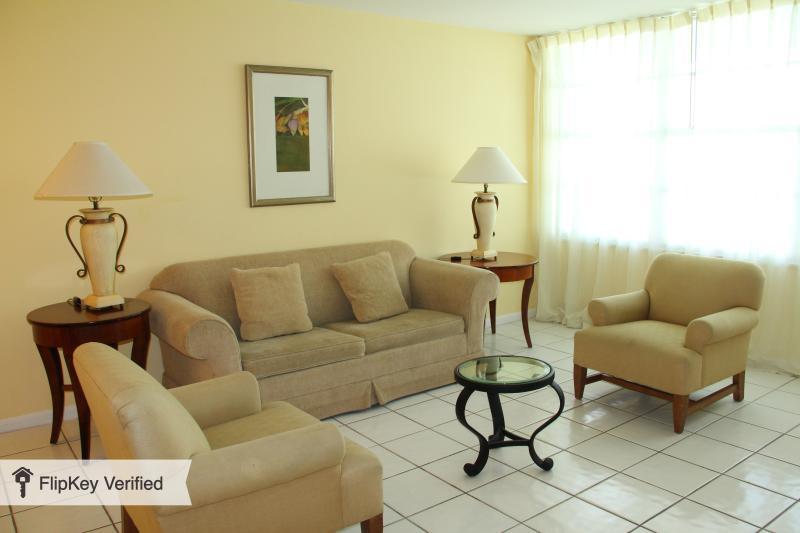 6BR 6BA (JUNIORS) MIAMI BEACH. at SEACOAST SUITES - Image 1 - Miami Beach - rentals