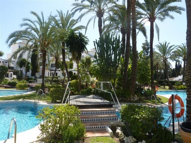 Aldea Blanca Walking distance to Puerto Banus - Image 1 - Waldorf - rentals