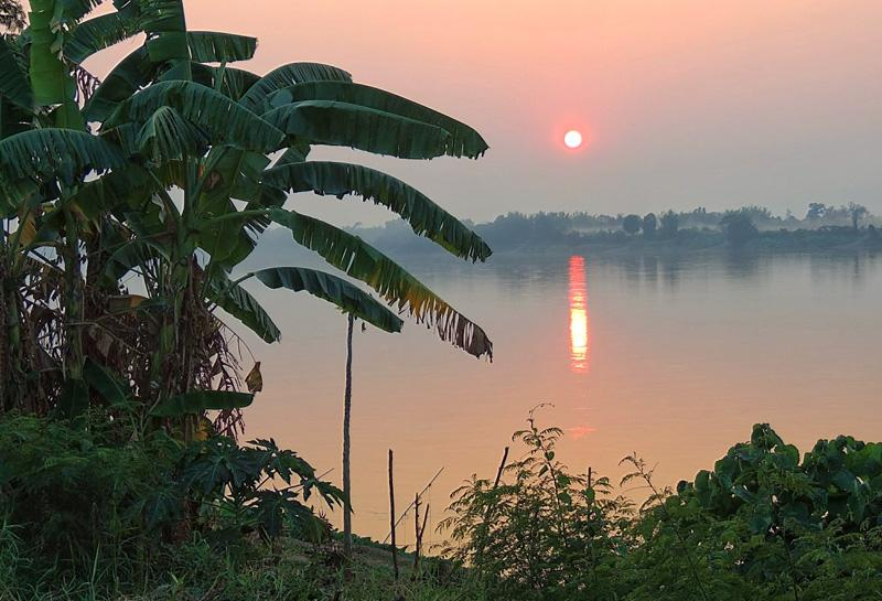 View of Mekong River and Laos from Terrace - Discover Thailand - Homestay painting, photography - Phon Phisai - rentals
