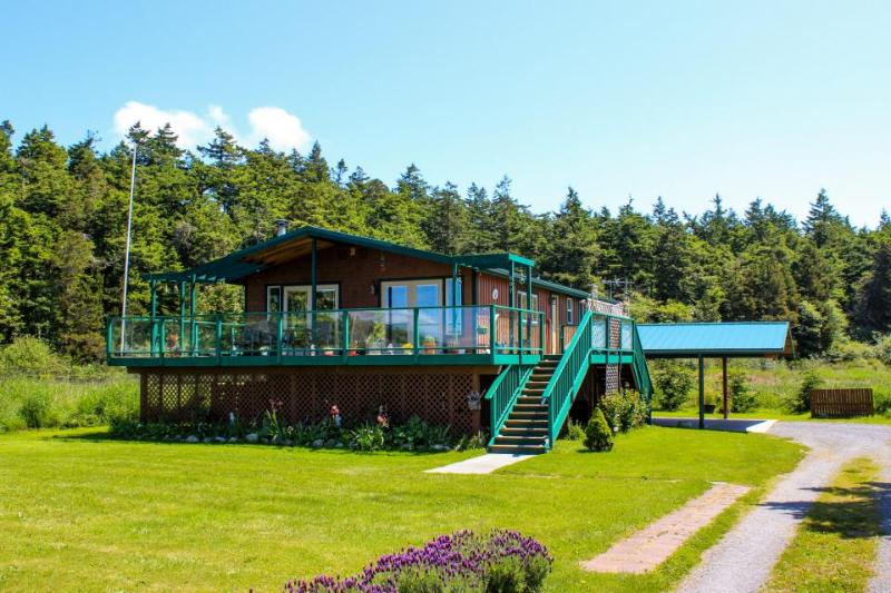 Unique home with lake & ocean views, private sauna! - Image 1 - Lopez Island - rentals