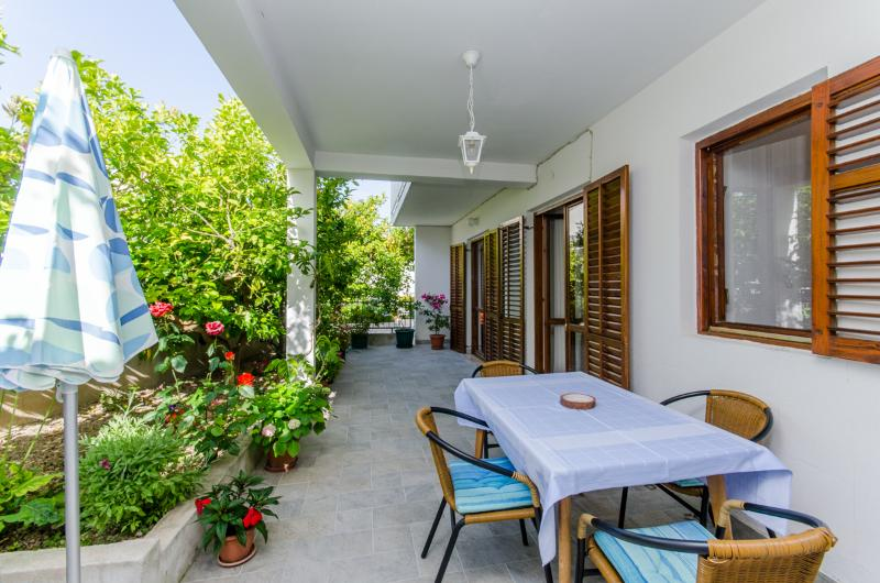 Apartments Prošperina - 34301-A4 - Image 1 - Hvar - rentals