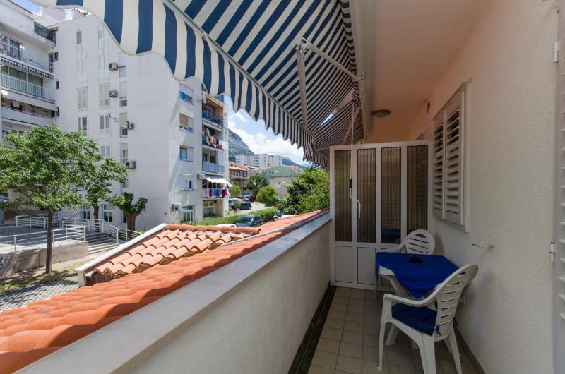 Apartments Mirko - 36201-A2 - Image 1 - Makarska - rentals