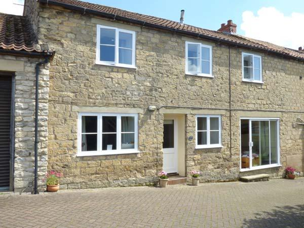 WESTGATE COTTAGE, WiFi, garden with furniture, great base for walking, Ref 904079 - Image 1 - Pickering - rentals