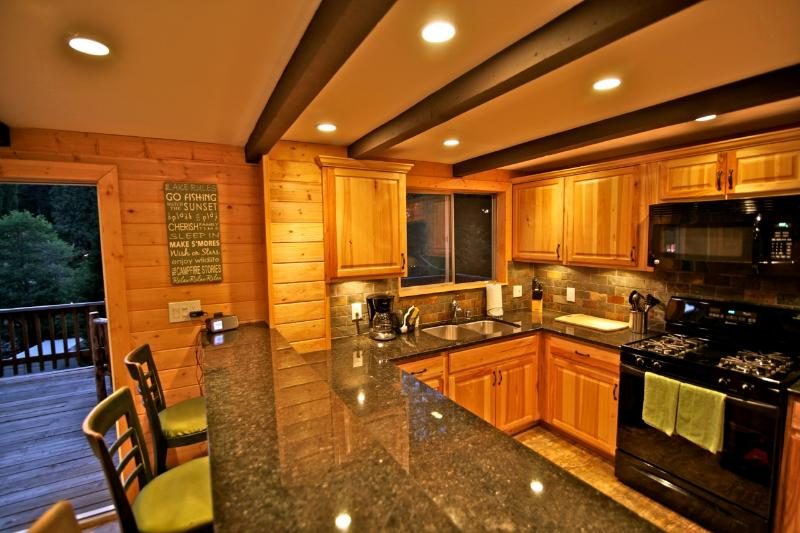 Kitchen with granite counter tops - Village Chalet -  only 100 yards to the Village - Lake Arrowhead - rentals