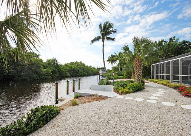 Exterior - Rear - Ground level luxury home with pool - Sanibel Island - rentals