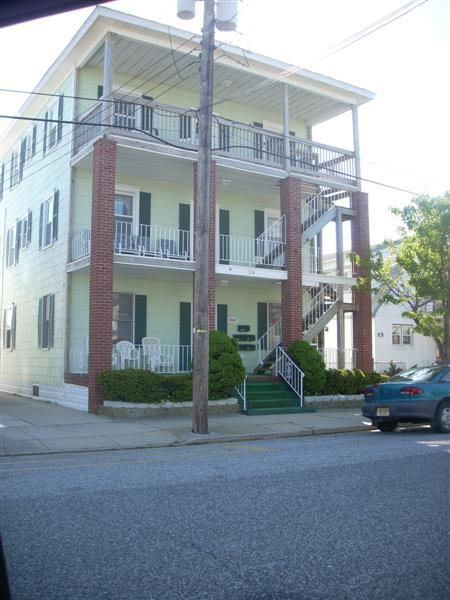 Exterior - Last Minute Cancellation 7/7-7/14  3 Bedrooms, Pet Friendly! - North Wildwood - rentals