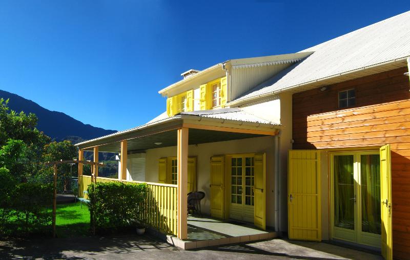 Maison de Vacance Cilaos Villa Hortensias centre-v - Image 1 - Cilaos - rentals