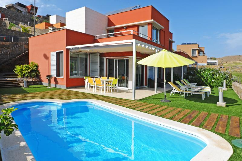 Holiday villa with 2 bedrooms and private pool - Image 1 - Maspalomas - rentals