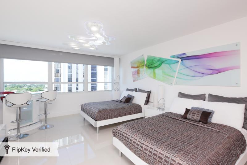 Elegant Bay View Studio905 - Image 1 - Miami Beach - rentals