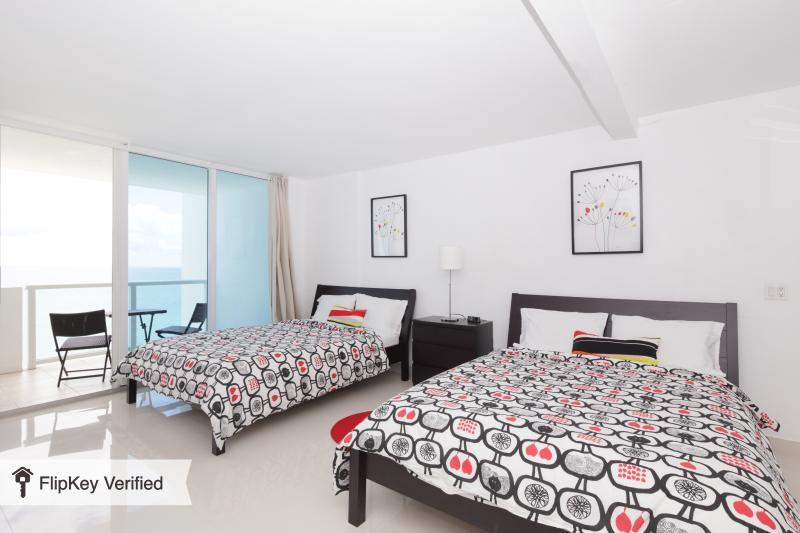 Oceanview studio with balcony - Image 1 - Miami Beach - rentals
