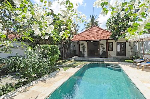 QUIET, PEACEFUL 2 BEDROOM GARDEN VILLA WITH POOL. - PEACEFUL 2 BDRM, POOL, GARDEN, 250 MTRS FROM BEACH - Sanur - rentals