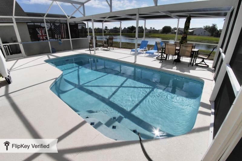 South Facing Private Pool with Lake Views, Full Dining and Lounging. Relax/Play its your choice! - Orlando 3/2 Luxury SF Pool Chefs Kitchen Disney - Intercession City - rentals