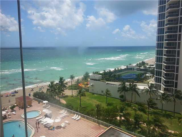 The studio view - Sunny Isles, Oceanside Privately Owned Hotel Room - Sunny Isles Beach - rentals