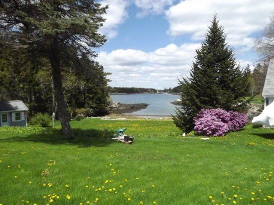 Your view from Mollys Cape - MOLLY'S CAPE | SOUTHPORT ISLAND | OCEAN VIEWS | SHARED BEACH | SWIM FLOAT | GREAT FOR KAYAKERS | FAMILY GETAWAY - Boothbay - rentals