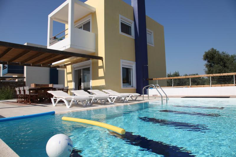 SUPERB VILLA-4 OVERLOOKING SEA AND GOLF COURSE - Image 1 - Afandou - rentals