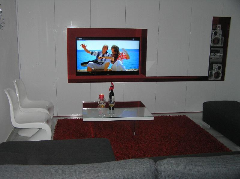 App Modern Pula - Image 1 - Pula - rentals