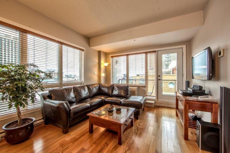 Luxury 2 bdrm Old Montreal charm. 7907 - Image 1 - Montreal - rentals