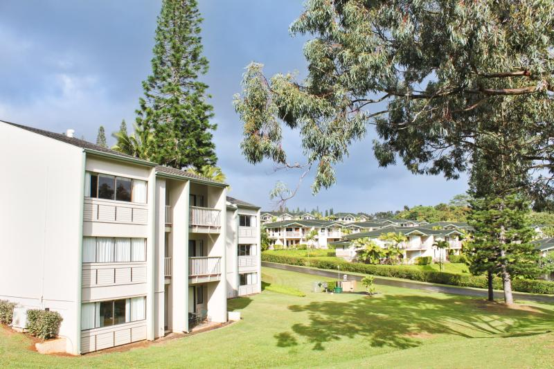 Resort Grounds - A Peaceful Haven on the North Shore of Kauai - Princeville - rentals