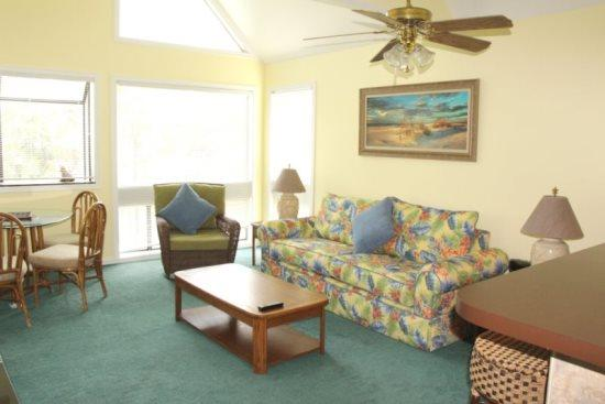Livingroom - 2br/2ba Condo 2 blocks to longest fishing pier on east coast..3-311 - Myrtle Beach - rentals