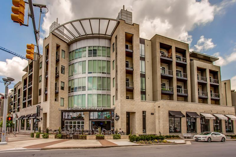 Stay Alfred Downtown's Best Shopping, Dining! VL2 - Image 1 - Nashville - rentals
