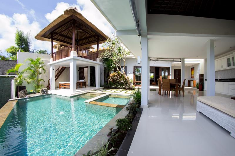 Villa Seratus luxury 2 Bedroom villa with 50m pool - Image 1 - Ungasan - rentals