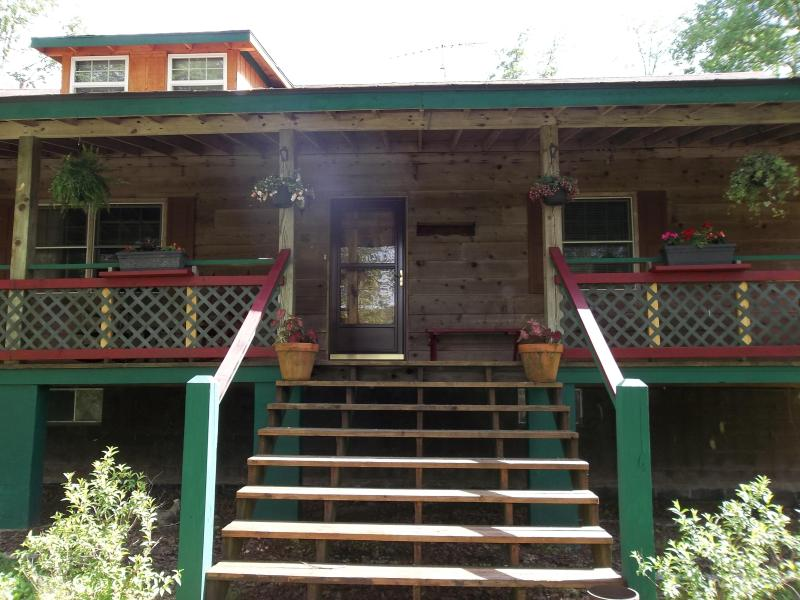front steps to lawn - Acorn Cottage, Crossville, TN   Cumberland Plateau - Crossville - rentals