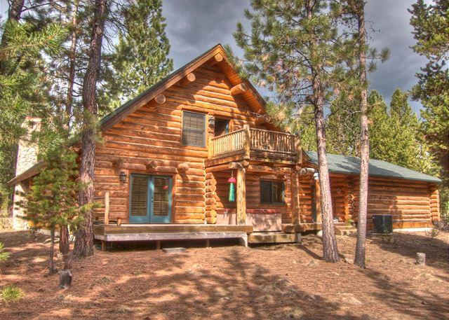 Luxury Vacation Rental, Pet Friendly, AC, Foosball, Ping Pong, Hot Tub - Image 1 - Sunriver - rentals
