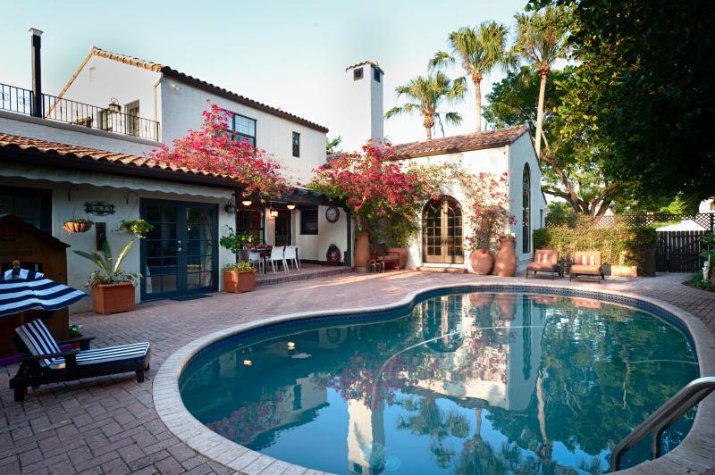 Lounge. Swim. Relax. Repeat. - Mediterranean Pool Villa: Sun and Fun! - Miami Beach - rentals