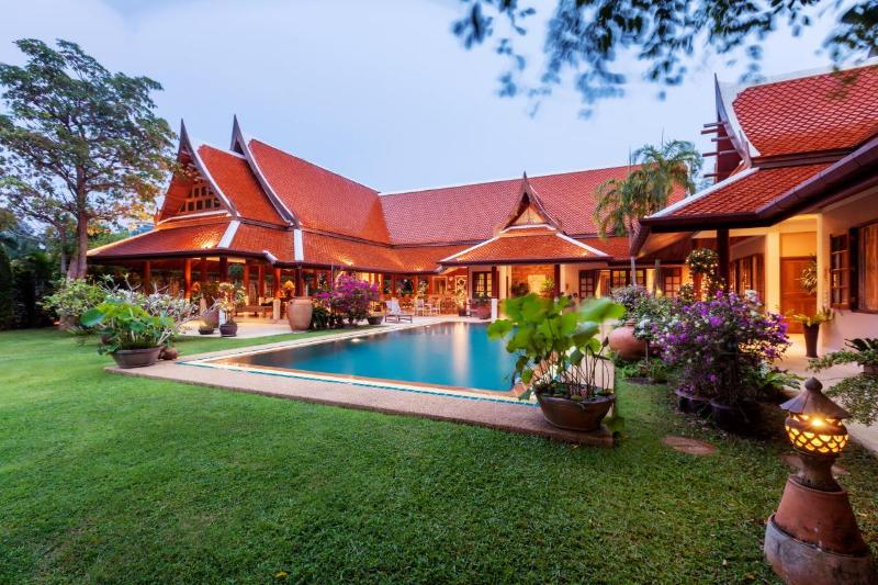 Magnificent Thai style villa within private park. - Image 1 - Rawai - rentals