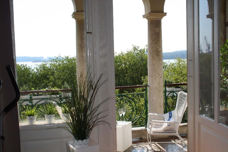 Charming Suite in Prime Area - Image 1 - Pula - rentals