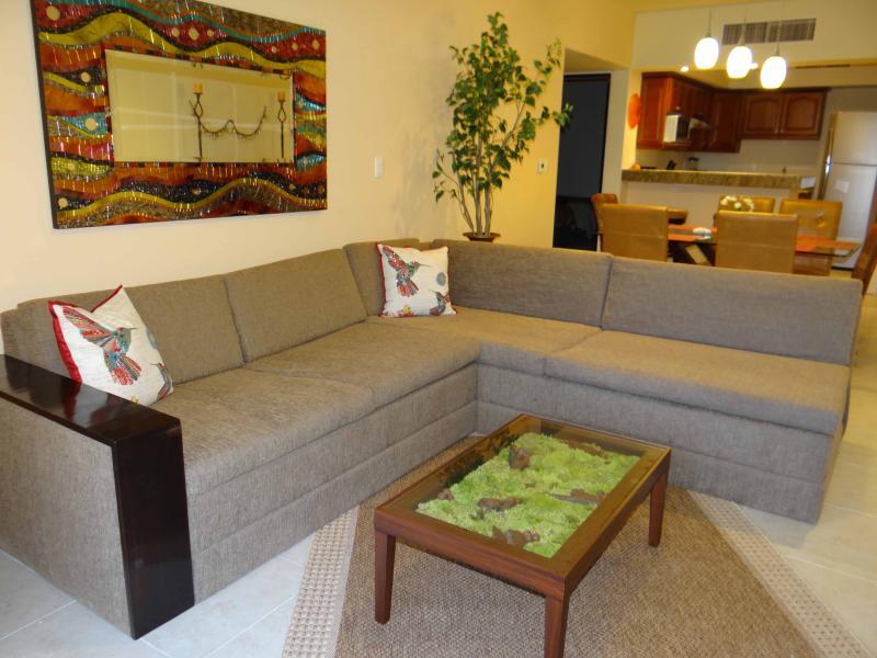 Living Room & Dinning Room - Two BDR two BATH, nice balcony 1 block to beach N4 - Playa del Carmen - rentals