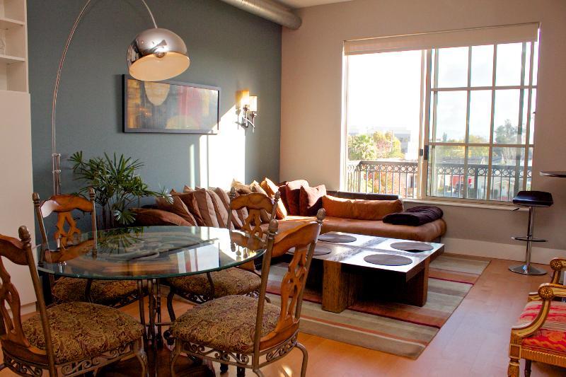 Living room area - Modern Santana Row Condos - San Jose - rentals
