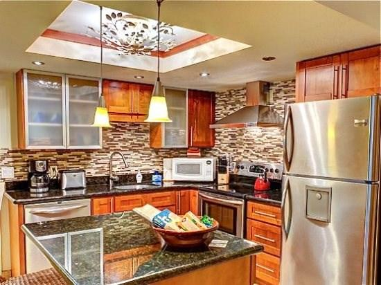 updated fully equipped kitchen - Maui Banyan 2 bedroom suite - Kihei - rentals