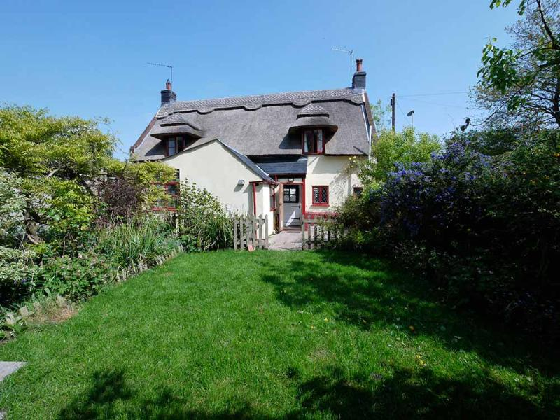 The Thatched Cottage Norfolk - Thatched Cottage Norfolk Broads & Coast, Sleeps 5 - Great Yarmouth - rentals