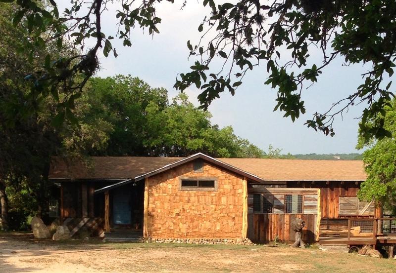 The Lucky Goat House - The Lucky Goat House-Beautiful River View - Canyon Lake - rentals