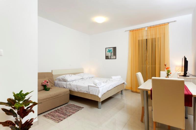 Studio apartment - balcony (6) - Image 1 - Podstrana - rentals