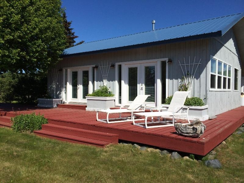 Your deck - RISING TIDE oceanfront cottage in Homer - Homer - rentals